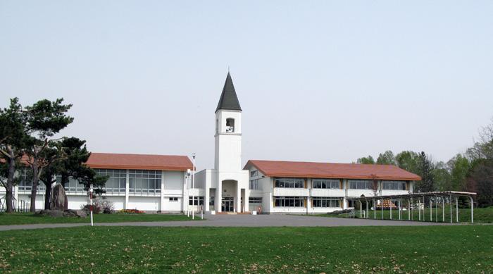 美瑛町360日 塔のある小学校